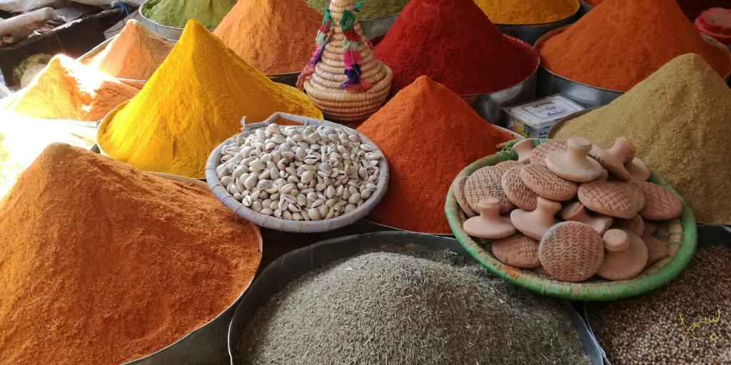 Verrassingsreis Marokko kruiden op de markt